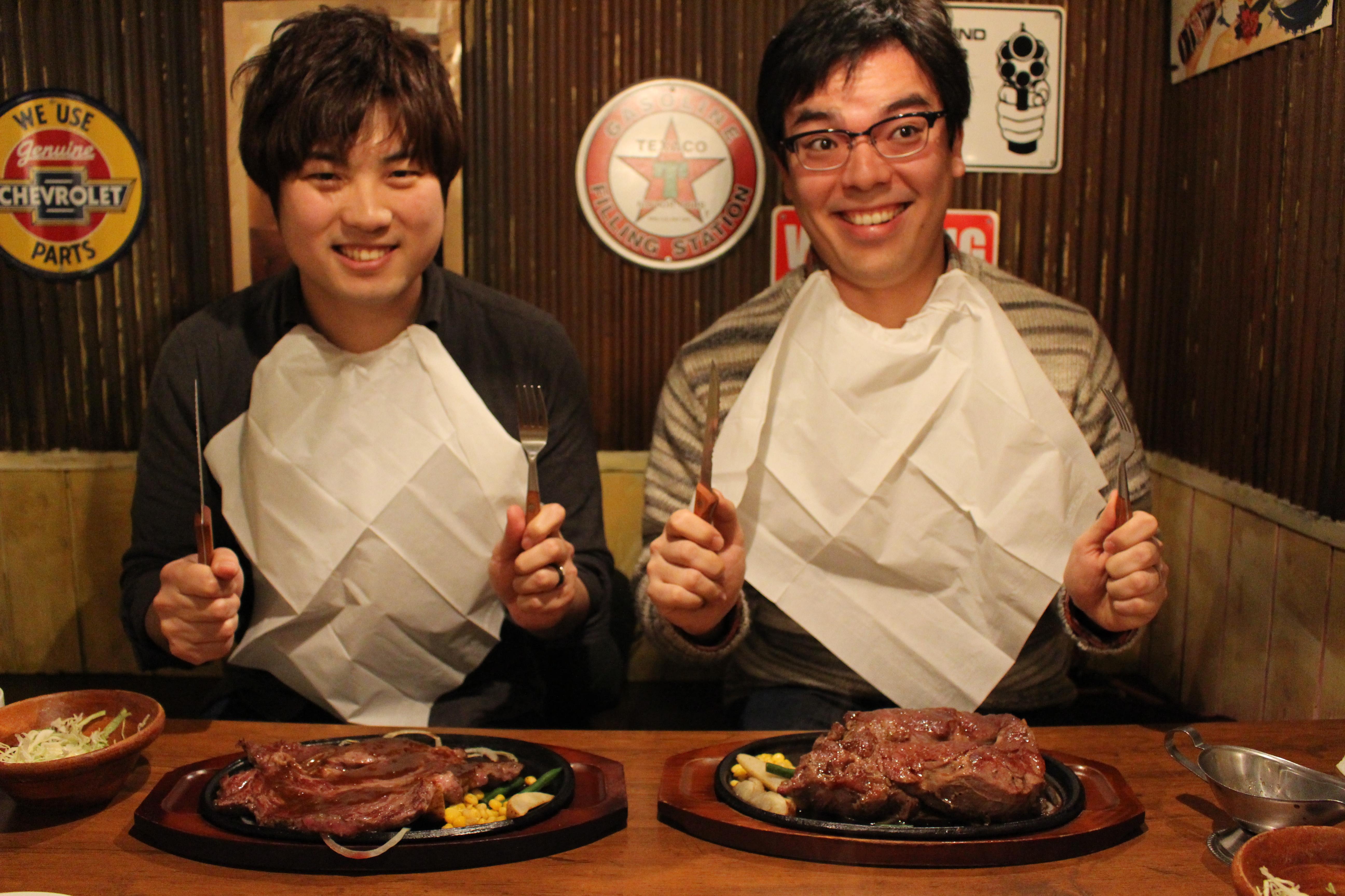 こんなに大きいの!?モンスターグリルでステーキを食べる!
