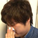 イトウ鼻をかむ